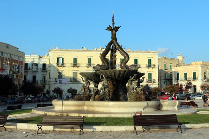Giovinazzo centro fontana